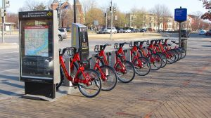 800px-Capital_Bikeshare_station_outside_Eastern_Market_Metro