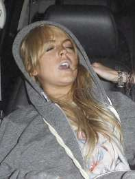 lindsay-lohan-passed-out